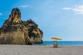 beach-555725__180